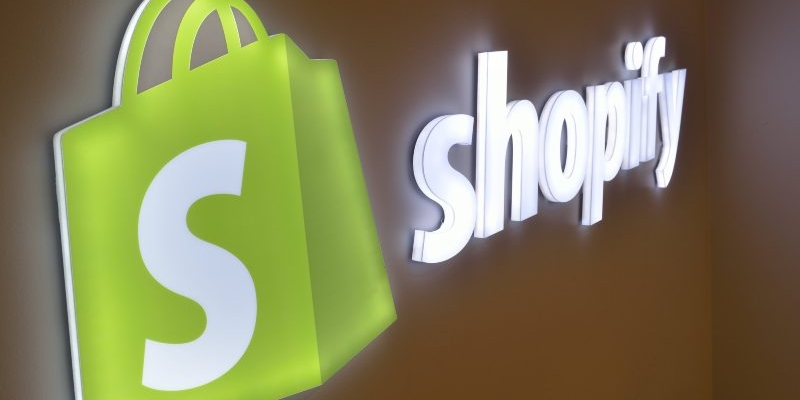 Shopify competes Amazon